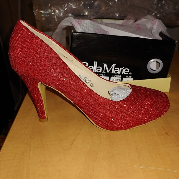 Bella Marie Shoes - 👠Stunning Red Glitter Pumps 👠